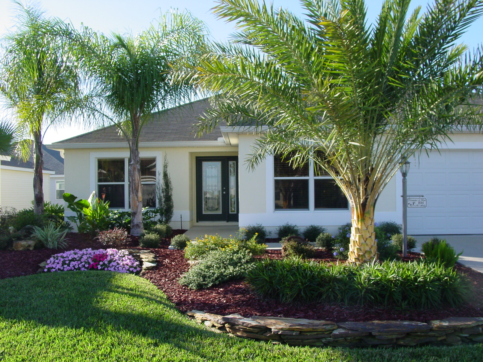 Florida garden landscape ideas photograph rons landscaping for Home front landscaping